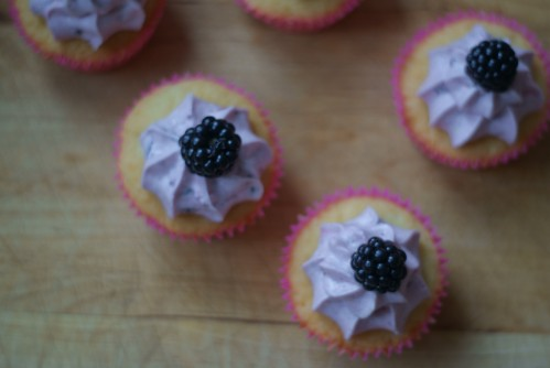 white_choc_blackberry2